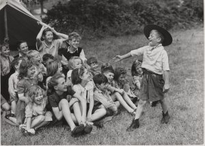 Second World War; Scouts; Evacuation;